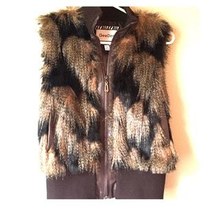 Jackets & Blazers - Gee Gee Faux fur vest brown size Small